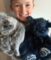 boy-makes-over-800-stuffed-animals-for-sick-children-58297b8e86048__700-511x600