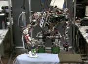 25062017-ironing-robot-3