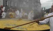 18082017-giant-omelet-2